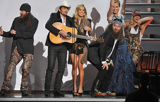 Obama Bashing & Taylor Swift Dancing: 5 CMA Moments You Can't Miss!