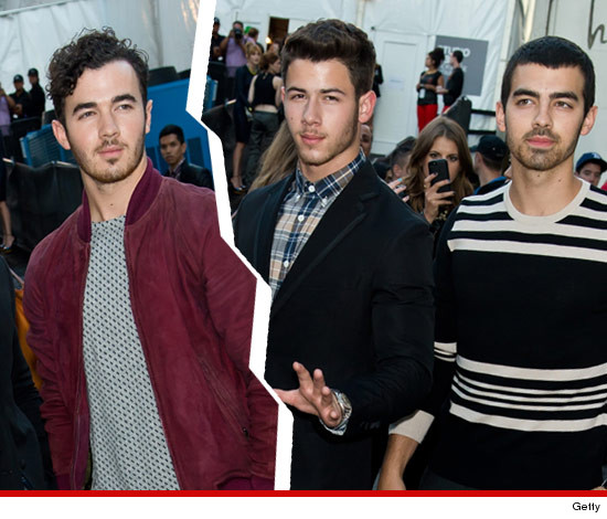 1113-jonas-brothers-split-getty