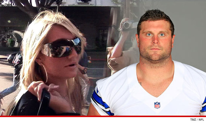 1121-brooke-hogan-phil-costa-nfl