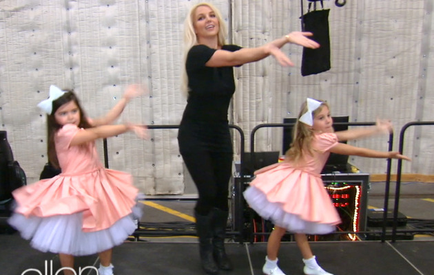 Video: Britney Spears Dances with Sophia Grace & Rosie!