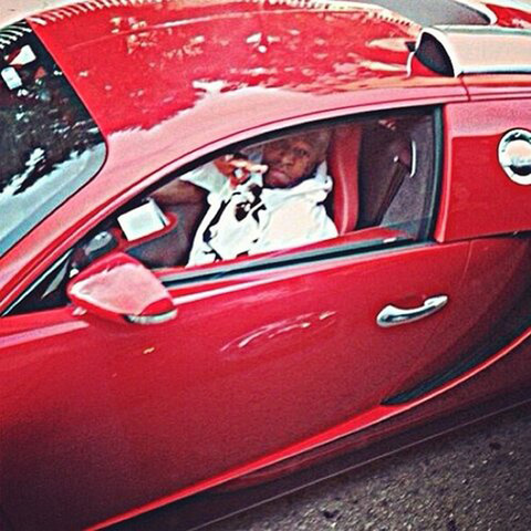 <span>Birdman</span><span>passed out some of his fellow fowl to a poor neighborhood in Miami yesterday ... and rolled up to the charity event in his $2.5 million red Bugatti.</span>