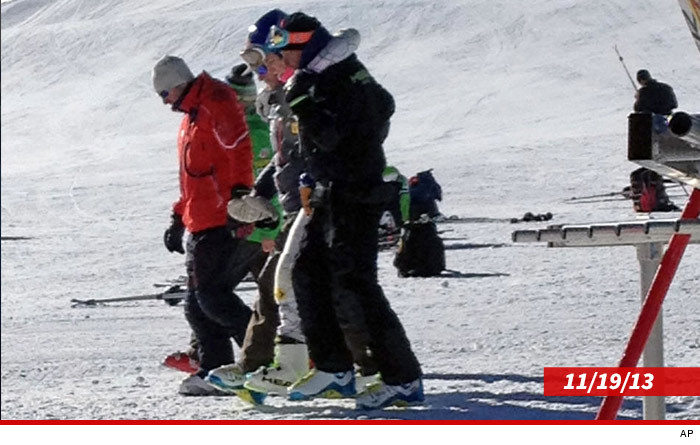 1129_lindsay_vonn_article_injury_AP