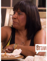 Video: Kandi Burruss' Mom Threat