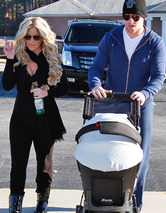 Kim Zolciak Debuts Post-Baby Bod Out Kroy Biermann & the Twins!