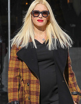 Gwen Stefani Flaunts Big Baby Bump Out Shopping!