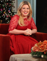 "Kelly Clarkson Talks Morning Sickness: ""I Have No Glow"""