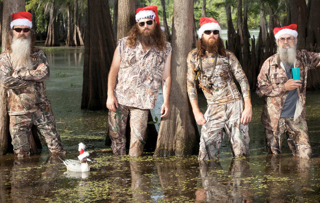 """Duck Dynasty"" Stars Record X-Mas Music ... And It Doesn't Go Well!"