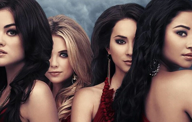 "Ashley Benson Calls Out ""Pretty Little Liars"" Poster for Photoshop Fail!"