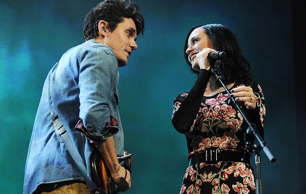 "Katy Perry Joins John Mayer Onstage For ""Who You Love"" Duet!"