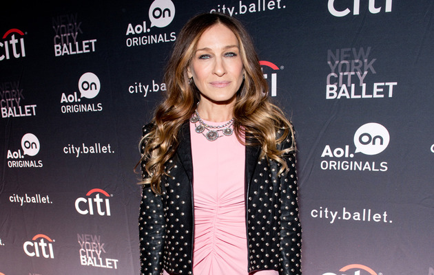 "Sarah Jessica Parker Slams Plastic Surgery Rumors About Her ""Witch Hands"""