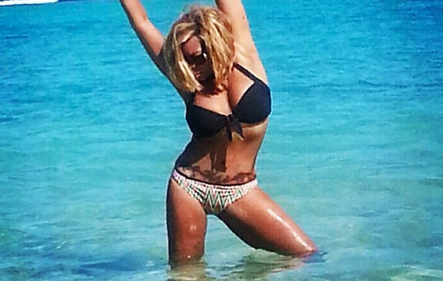 Wendy Williams Flaunts Bikini Bod and Large Tattoo!