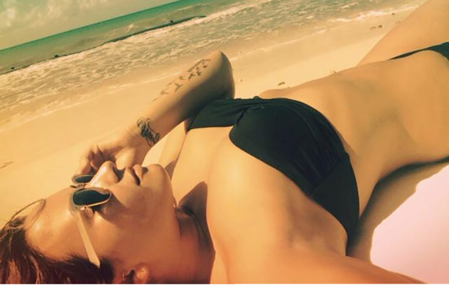 Demi Lovato Shows Off Beach Bod on Vacation!