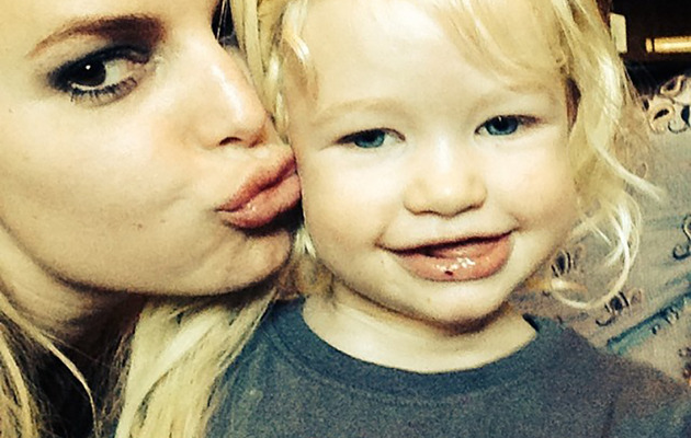 Jessica Simpson Joins Instagram, Shares Cute Photo Kissing Maxwell!