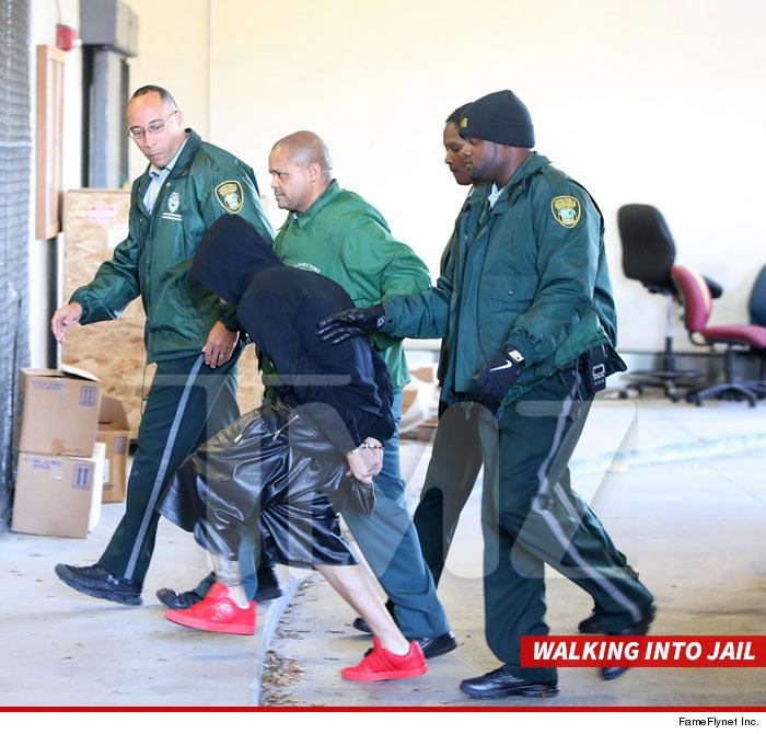 0123-bieber-arrested-02