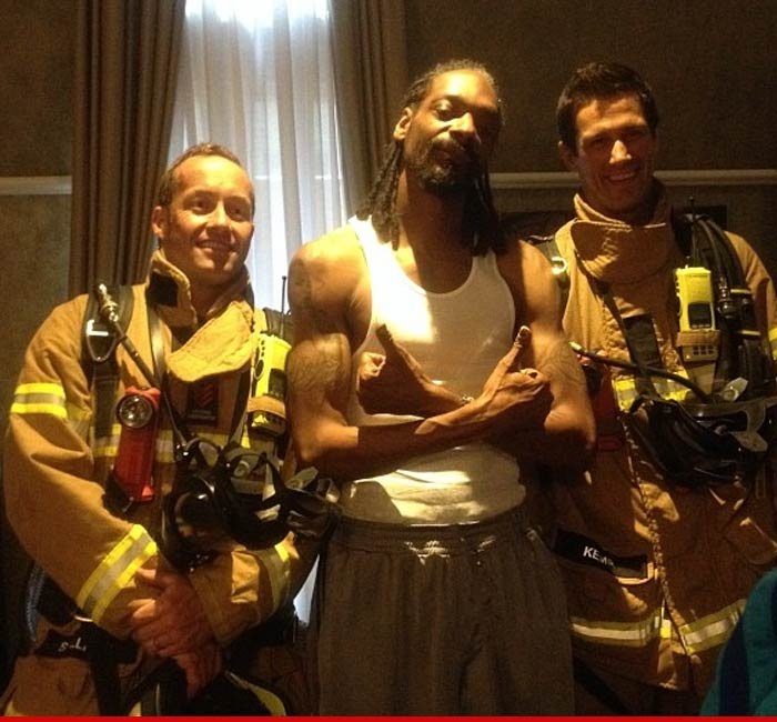0124-snoop-dogg-firefighter-01