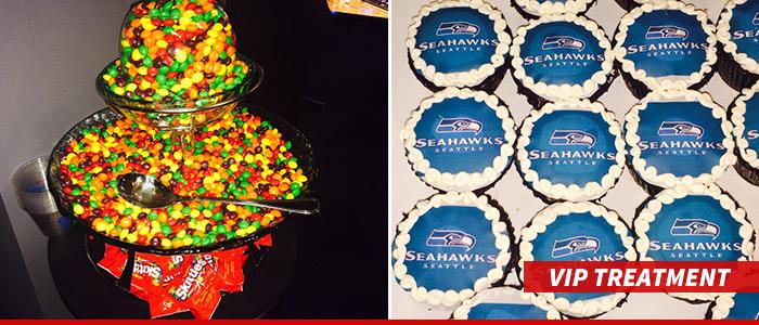 0128-seahawks-nets-skittles-cupcakes