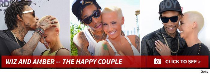 0129_wiz_amber_happy_couple_footer