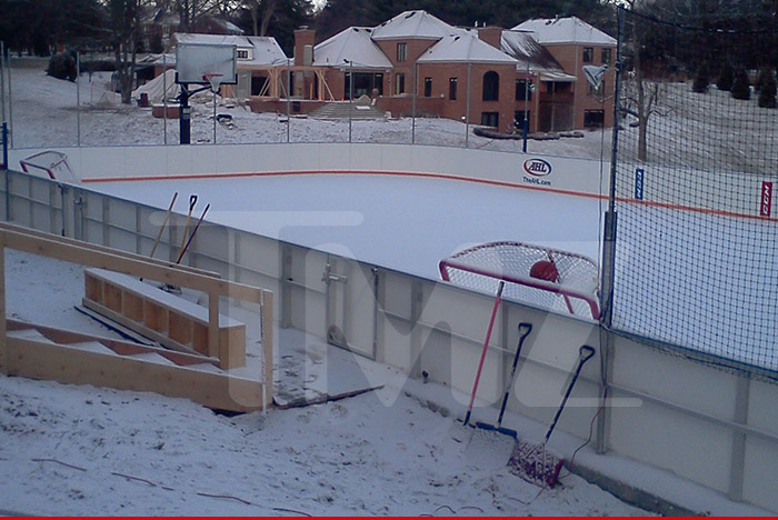 Bill Guerin Builds $500K Backyard Hockey Rink [PHOTO].  0203_billguerins_ice_rink_tmz_wm