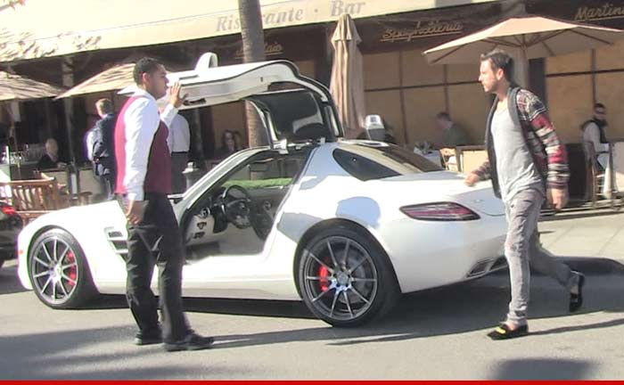 0204-scott-disick-mercedes-02