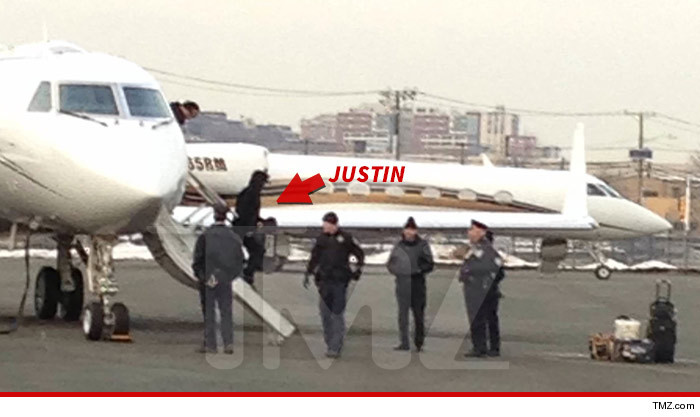 0205-justin-bieber-article-plane-tmz-wm-2