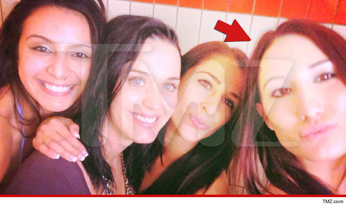 katy-perry-tmz-strippers-3_arrow