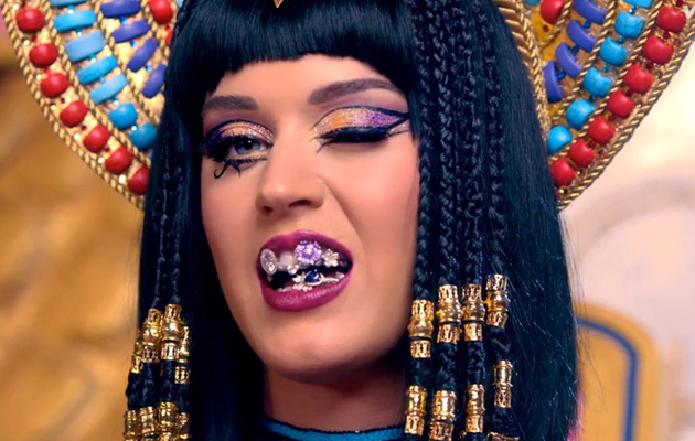 "Katy Perry Goes Cleopatra for ""Dark Horse"" Music Video"