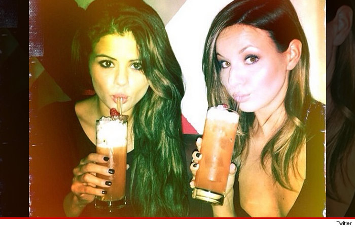 0217_selena_gomez_drinking_twitter