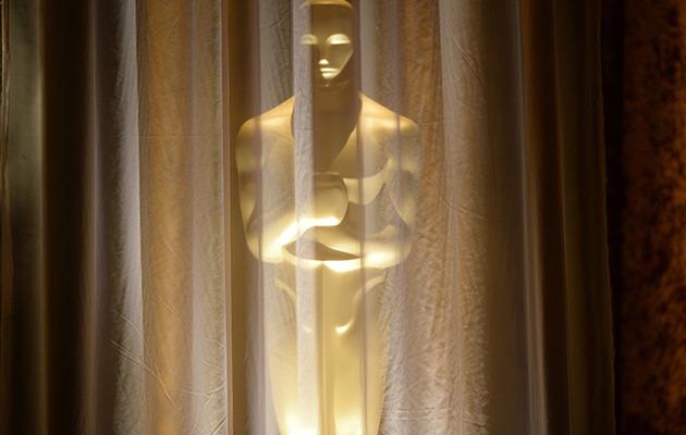 Win a Kari Feinstein's Oscar Style Lounge Gift Bag!