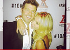 Butt Grab Chick to Robin Thicke -- I'