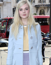 Elle Fanning Stuns at Paris Fashion Week -- Se