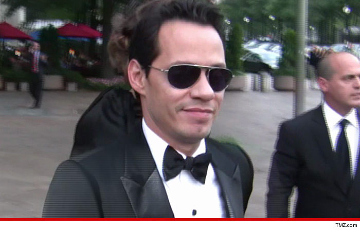 0307-marc-anthony-tmz-02