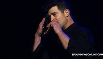 Robin Thicke -- Pleads with Paula Patton During Concert ... AGAIN!!