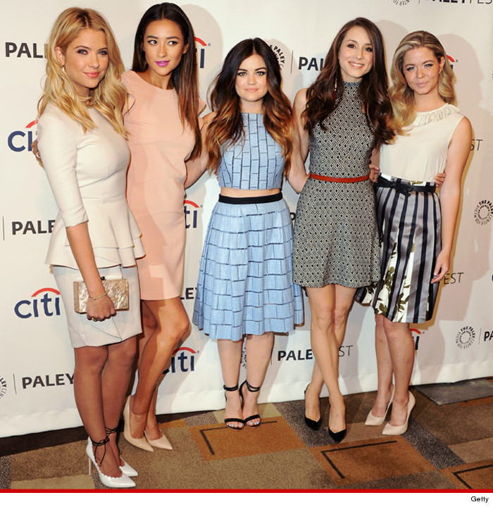0319_pretty_little_liars_cast_rather_launch