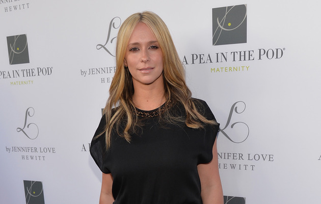 Jennifer Love Hewitt Flaunts Slim Post-Baby Body on the Red Carpet!