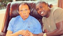Muhammad Ali -- HUGE BASKETBALL FAN ... Rooting for Kentucky