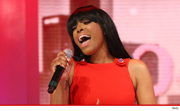 0410-porsha-williams-singing-getty-01