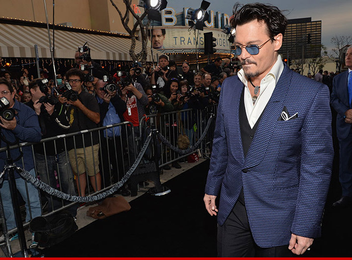 0411-johnny-depp-premiere-getty-fixed-8
