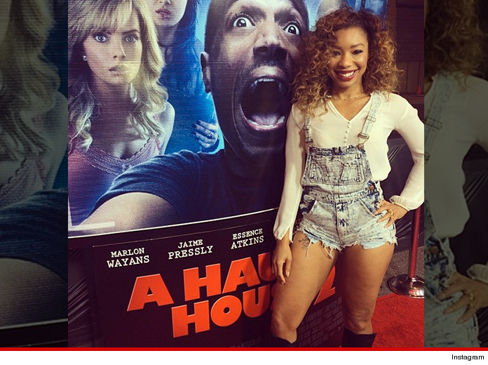 0417-a-haunted-house-red-carpet-simone-shepherd-instagram-01