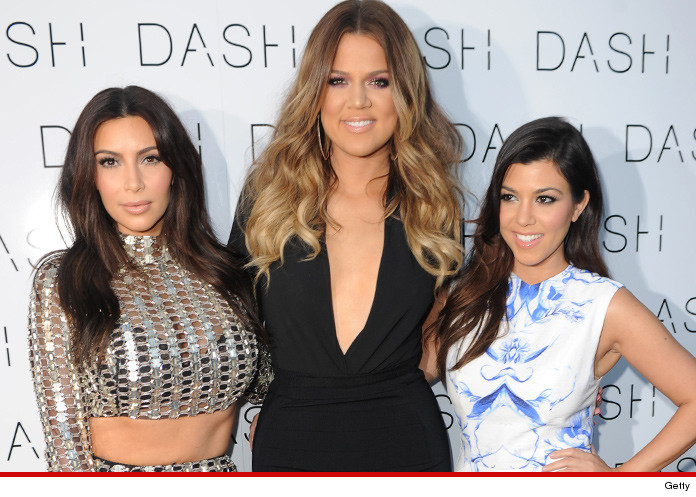 0418-kardashian-girls-settle-getty-01
