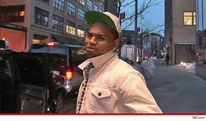 0423_chris_brown_tmz