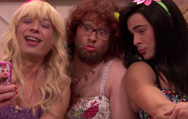 "Seth Rogen & Zac Efron Do Drag for ""Ew!"" with Jimmy Fallon"