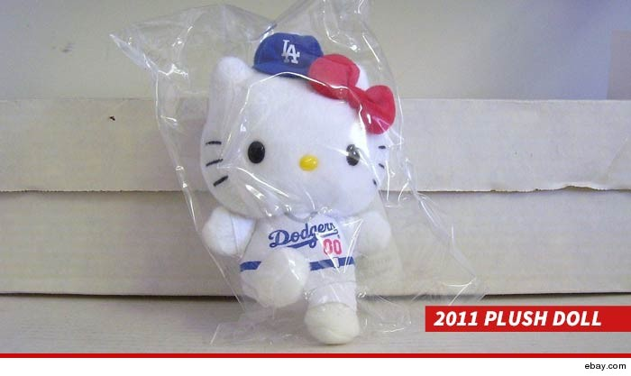 0513-dodgers-hello-kitty