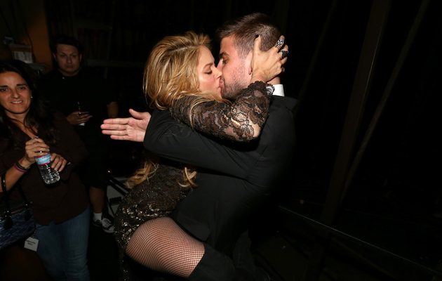 Shakira Straddles Her Boyfriend Backstage at Billboard Music Awards