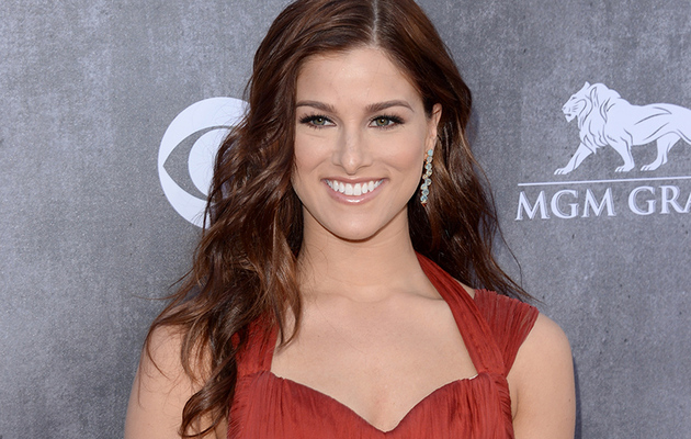 Cassadee Pope Talks Tim McGraw Tour, Blake Shelton Friendship & Hunger in America