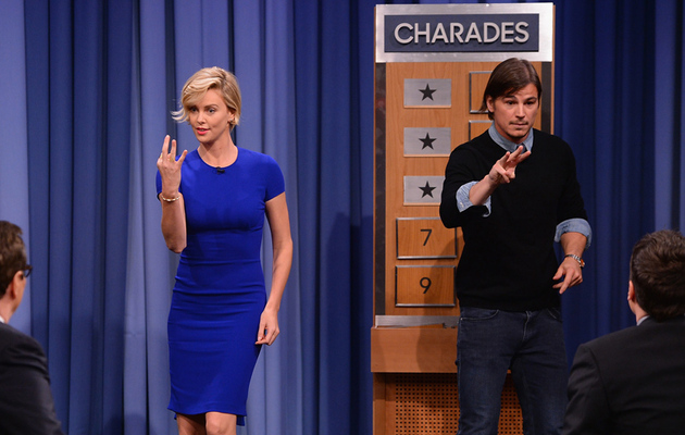 Watch Charlize Theron and Josh Hartnett Play Charades!