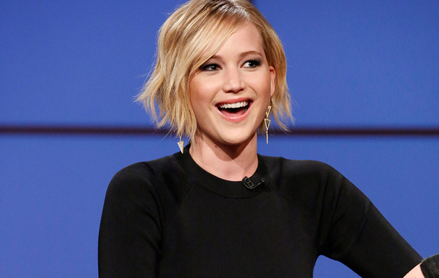 Jennifer Lawrence Talks About That One Time She Puked In Front of Miley Cyrus