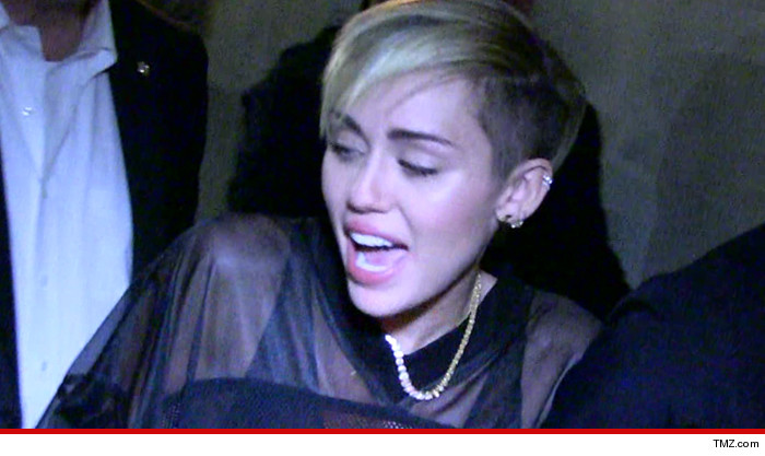 Miley Cyrus -- Crazed Fan Threatens ... I'll Die Trying to Meet Her