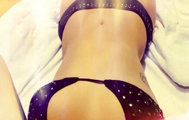 Demi Lovato Shares Sexy Bikini Selfie, Shows Off Flawless Face Without Makeup!