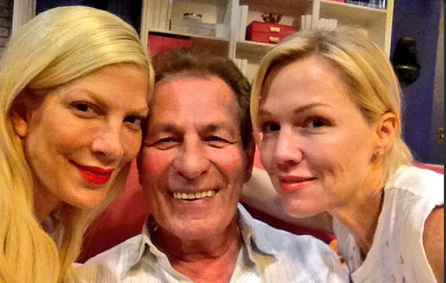 "Tori Spelling Has a Mini ""90210"" Reunion on ""Mystery Girls"" Set"