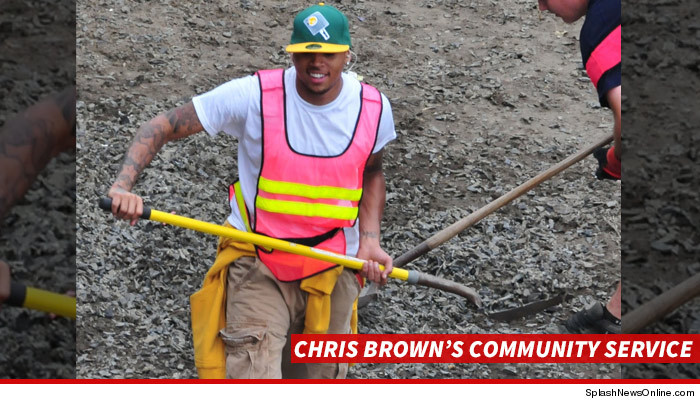 0623-chris-brown-community-service-sub-SPLASH-02